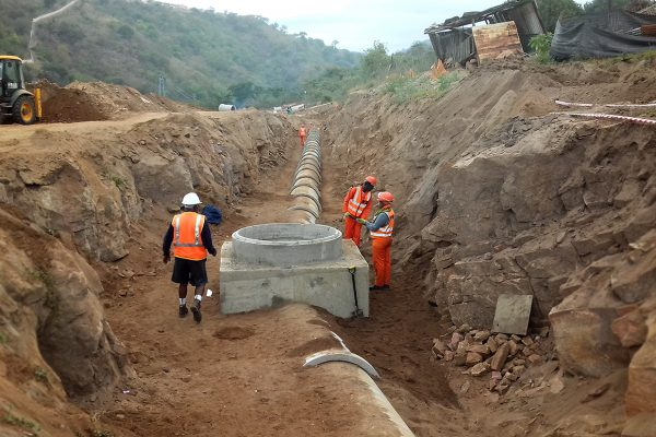 Image 2 Construction of the Luganda 900mm dia pipeline laid in 2.5m trenches sml